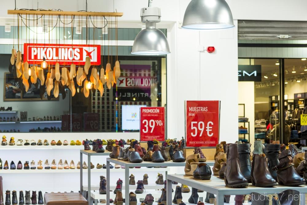 Outlet pikolinos retail stands - Nanos outlet las rozas ...