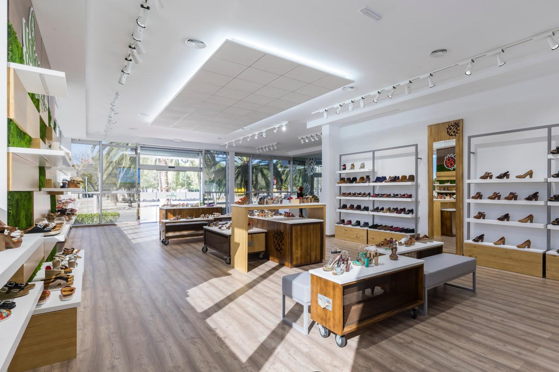 yokono store nuevo interiorismo comercial retail stands